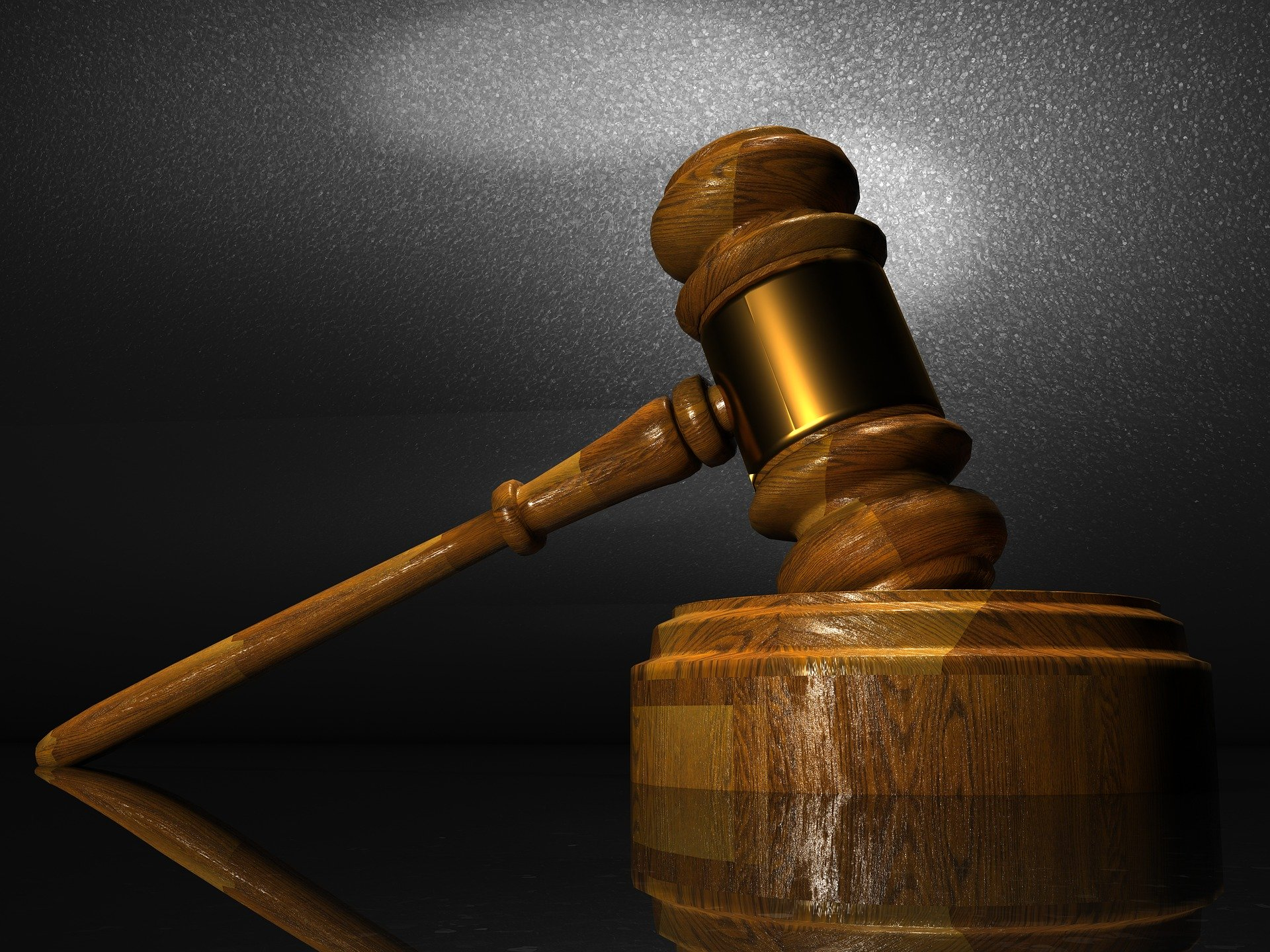 Condenan a una mujer a pagar una multa de 1.260 euros por injuriar a su expareja y a divulgar la sentencia condenatoria en su perfil de Twitter.