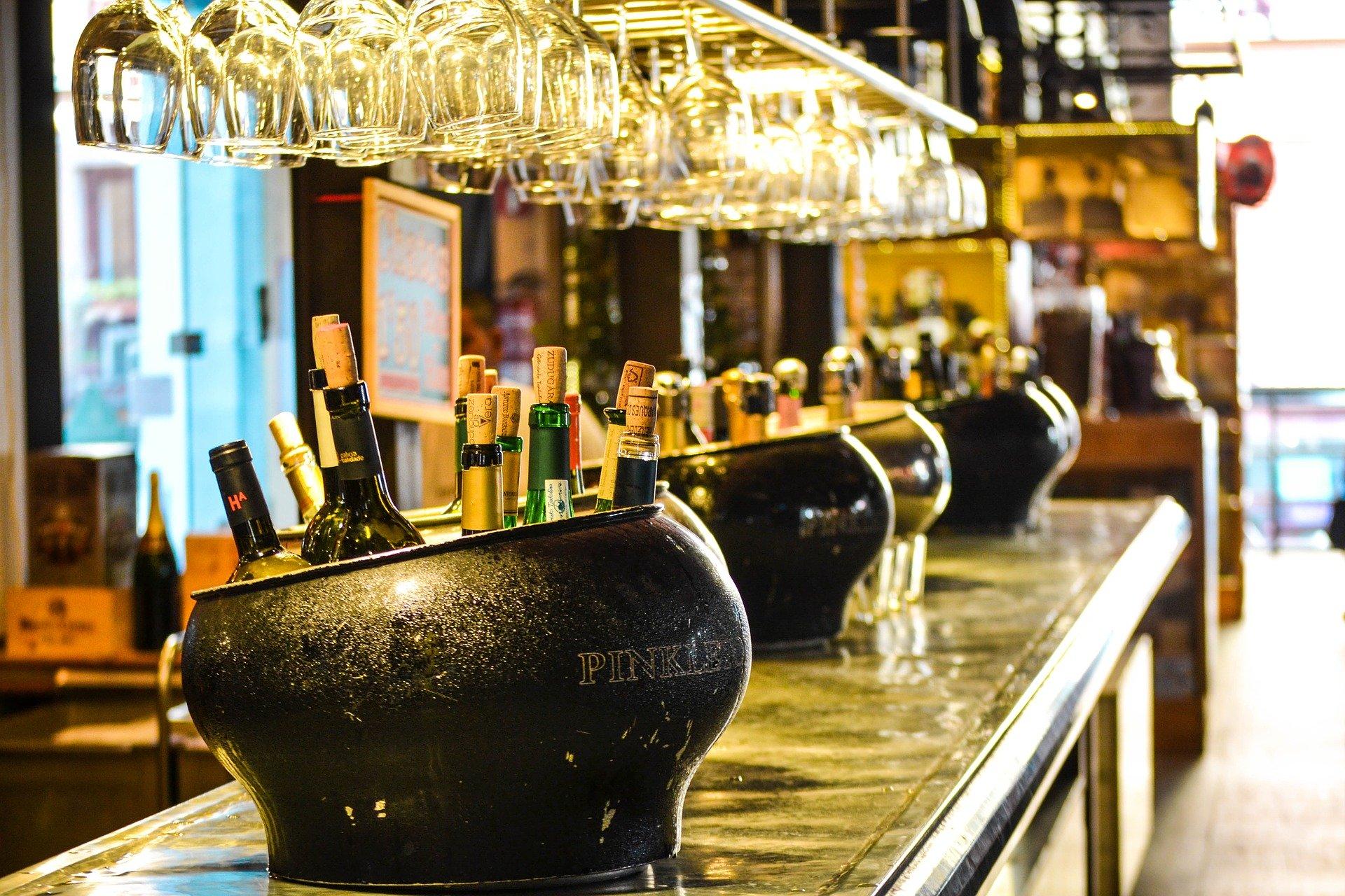 Austria reabre todos sus bares y restaurantes